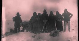 Menn i snøstorm